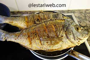Serve fried fish