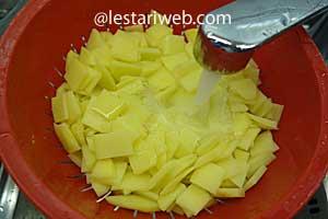 rinse potatoes