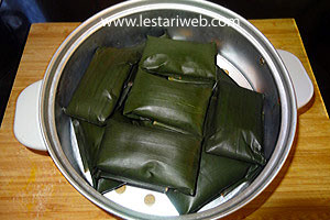 wrapped banana parcels