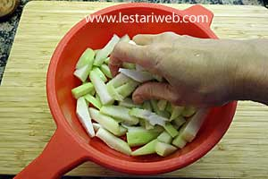 squeeze chayote