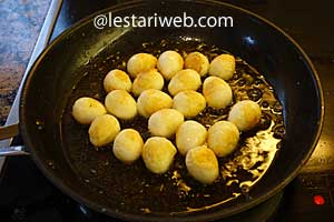 quail eggs are golden brown