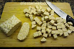 preparing tempeh