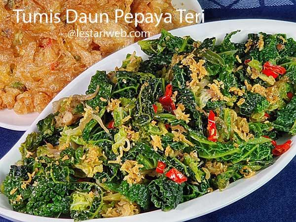 Stir-Fried Papaya Leaves & Anchovies