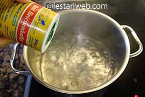 boiling papaya or savoy leaves
