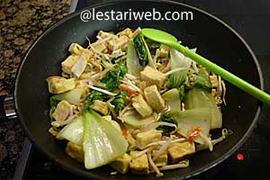 Fried Tofu in Oyster Sauce