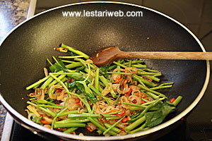 water spinach stems