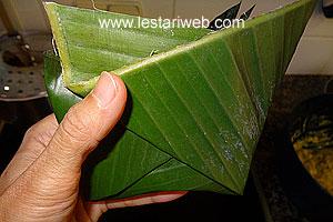 banana leaves folding
