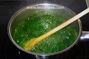 pandanus juice for coloring