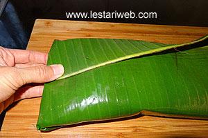folding banana leaf 2