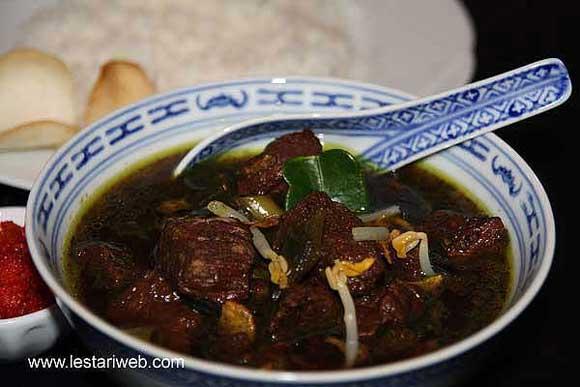 Black Beef Soup