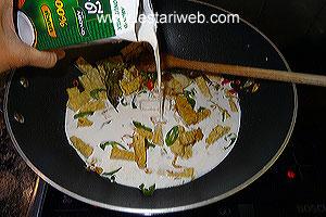 making coconut sauce