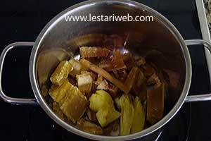 ginger, palm sugar, cinnamon