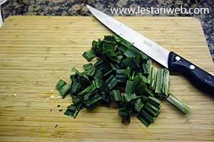 cut pandanus leaves