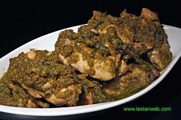 Banda Stir-Fried Chicken with Green Chillies