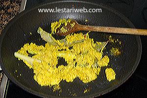 lemon grass, kaffir-lime leaf and bay leaf