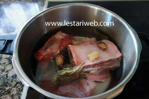 cook spare ribs