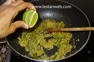 Add the lime/tamarind juice